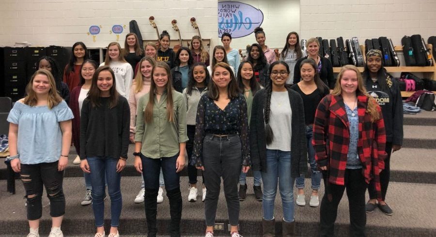 Support Bella Voce in the Holiday Choir Competition!