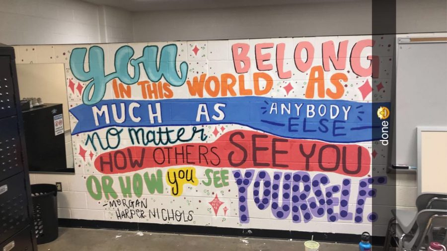 After+ten+hours+of+hard+work%2C+the+juniors+had+completed+the+mural+for+many+to+see+in+the+coming+years.+Photo+by+Morgan+Maiden.