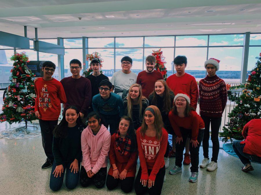 The+HOPE+leaders+and+buddies+take+a+trip+to+Dulles+Airport+to+decorate+the+Christmas+tree+and+meet+Special+Education+students+from+other+schools.+Photo+taken+by+Suzanne+Burch.